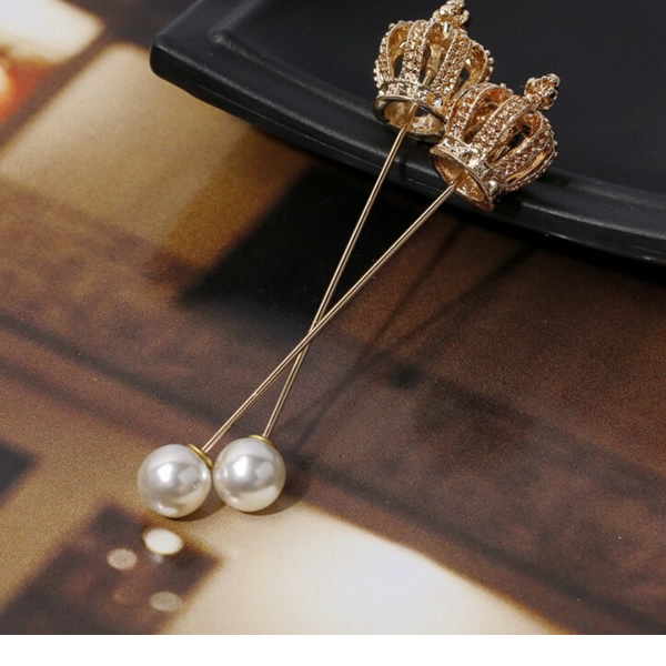 Unisex Crown Brooch Pin